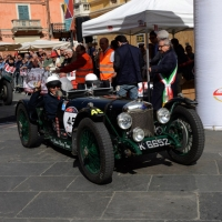 Foto Nicoloro G. 16/05/2014  Ravenna    La 32° edizione della 1000 Miglia, con le sue 435 auto, passa da Ravenna. nella foto auto in coda per la timbratura del passaggio.