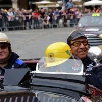 Foto Nicoloro G. 16/05/2014  Ravenna    La 32° edizione della 1000 Miglia, con le sue 435 auto, passa da Ravenna. nella foto tra i partecipanti Jo Ramirez, a destra, che fu coordinatore della Mc Laren in Formula 1.