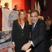 """Foto Nicoloro G. 14/11/2010, Milano, Manifestazione promossa dal PdL al teatro Nuovo """" Dalla parte del Cavaliere """". nella foto Michela Vittoria Brambilla – Ignazio La Russa"""