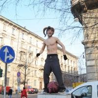 Foto Nicoloro G. Milano 14/12/2010 Corteo degli studenti contro il governo Berlusconi e la riforma Gelmini. Forte tensione con le forze dell' ordine. nella foto Un manifestante