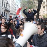 Foto Nicoloro G. Milano 14/12/2010 Corteo degli studenti contro il governo Berlusconi e la riforma Gelmini. Forte tensione con le forze dell' ordine. nella foto Manifestanti con megafono
