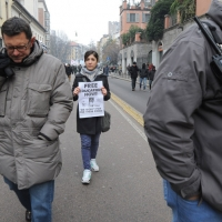 Foto Nicoloro G. Milano 14/12/2010 Corteo degli studenti contro il governo Berlusconi e la riforma Gelmini. Forte tensione con le forze dell' ordine. nella foto Manifestante con cartello
