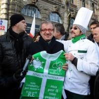 Foto Nicoloro G. 22/01/2012 Milano Manifestazione con corteo della Lega Nord contro il governo Monti. nella foto Roberto Maroni