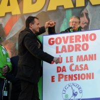 Foto Nicoloro G. 22/01/2012 Milano Manifestazione con corteo della Lega Nord contro il governo Monti. nella foto Roberto Calderoli – Marco Reguzzoni – Umberto Bossi
