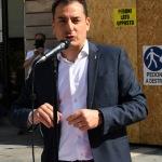 Foto Nicoloro G.   02/06/2020   Faenza ( Ra)   Nella giornata della Festa della Repubblica i partiti dell' opposizione promuovono un flash mob di protesta contro il governo ' Per l' Italia che vuole ripartire in sicurezza '. nella foto il segretario della Lega Romagna Jacopo Morrone durante il suo intervento.