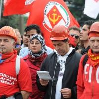 Foto Nicoloro G.  16/10/2010 Roma  Manifestazione nazionale Fiom-CGIL con cortei e comizio finale in piazza San Giovanni. nella foto Manifestanti del corteo del nord-Italia
