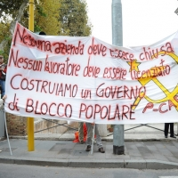 Foto Nicoloro G.  16/10/2010 Roma  Manifestazione nazionale Fiom-CGIL con cortei e comizio finale in piazza San Giovanni. nella foto Una grande striscione