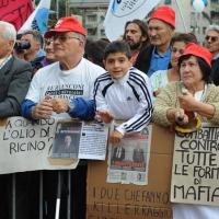 Foto Nicoloro G.  16/10/2010 Roma  Manifestazione nazionale Fiom-CGIL con cortei e comizio finale in piazza San Giovanni. nella foto Manifestanti in piazza San Giovanni