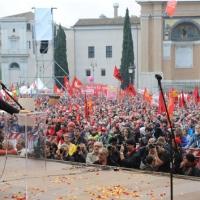 Foto Nicoloro G.  16/10/2010 Roma  Manifestazione nazionale Fiom-CGIL con cortei e comizio finale in piazza San Giovanni. nella foto Maurizio Landini parla di fronte ad una grande platea