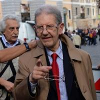 """Foto Nicoloro G. 12/10/2013 Roma Manifestazione nazionale in difesa della Costituzione, """" La via maestra """", organizzata dalla FIOM. nella foto Salvatore Settis"""