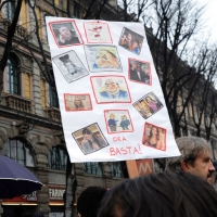 """Foto Nicoloro G. 13/02/2011 Milano Manifestazione delle donne """" Se non ora quando ? """" per la dignita' del soggetto donna e contro Berlusconi. nella foto Un cartello di protesta"""