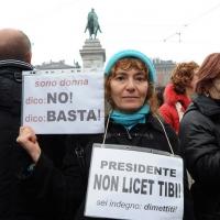 """Foto Nicoloro G. 13/02/2011 Milano Manifestazione delle donne """" Se non ora quando ? """" per la dignita' del soggetto donna e contro Berlusconi. nella foto Manifestante con cartelli di protesta"""