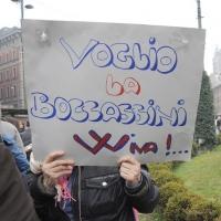 """Foto Nicoloro G. 13/02/2011 Milano Manifestazione delle donne """" Se non ora quando ? """" per la dignita' del soggetto donna e contro Berlusconi. nella foto Cartello di protesta"""