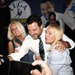 24/09/2021   Ravenna   Intervento del leader della Lega nella campagna elettorale per le amministrative del 3 e 4 ottobre 2021. nella foto Matteo Salvini alle prese con i consueti selfie.