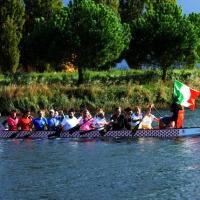 Foto Nicoloro G.  02/09/2014   Ravenna   Nona edizione dell' IDBF,  Campionati Mondiali per club di di Dragon Boat. Partecipano 27 nazioni, 5300 atleti, 129 club che gareggeranno nelle tre categorie Open maschili, femminili e misti. nella foto un equipaggio dell' Italia.