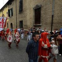 Foto Nicoloro G.   13/09/2015   Ravenna   Nell' ambito delle celebrazioni per il 750° dalla nascita del Sommo Poeta si e' svolta la tradizionale offerta dell' olio per la lampada che arde nel sepolcro di Dante da parte del Comune di Firenze. nella foto il corteo in costume si porta alla tomba di Dante.