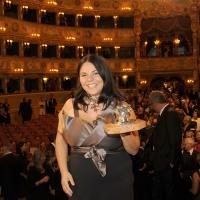 """Foto Nicoloro G.   04/09/2010  Venezia  Quarantottesima edizione del """" Premio Campiello Letteratura """". nella foto Michela Murgia con il premio"""