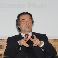"""Foto Nicoloro G. 17/01/2011 Milano Presentazione del libro """" Prima la musica, poi le parole """", autobiografia del maestro Riccardo Muti. nella foto Riccardo Muti"""