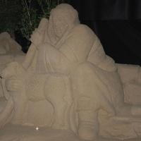 Foto Nicoloro G. 23/12/2010 Marina di Ravenna (RA) Tradizionale presepe di sabbia realizzato da quattro artisti stranieri, russo – spagnolo – giapponese – sloveno, sotto un tendone vicino al mare di Marina di Ravenna. nella foto Una figura del presepe: un pastore