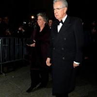 Foto Nicoloro G. 07/12/2013 Milano Tradizionale Prima alla Scala che annovera quest' anno anche la presenza del Capo dello Stato. nella foto Mario Monti e la moglie
