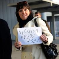 Foto Nicoloro G. 15/12/2013 Milano Prima Assemblea Nazionale del PD dopo le elezioni di Matteo Renzi a segretario. nella foto Una partecipante