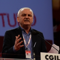 Foto Nicoloro G.  08/05/2014  Rimini  Terza e conclusiva giornata del 17° Congresso della CGIL. nella foto Vincenzo Colla segretario generale CGIL dell' Emilia-Romagna.