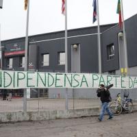 """Foto Nicoloro G. 04/12/2011 Vicenza Dopo quattro anni si riunisce il Parlamento Padano nella sua sede di villa """" La Favorita """". nella foto Striscione"""