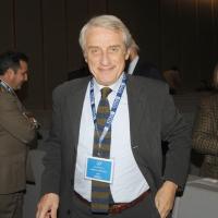 """Foto Nicoloro G. 18/11/2010, Milano, Seconda edizione della conferenza internazionale """" Science for Peace """" organizzata dalla """" Fondazione Veronesi """". In questa prima giornata il tema e' """" La Scienza come linguaggio universale di Pace """". nella foto Alberto Martinelli"""