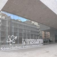 """Foto Nicoloro G. 19/11/2010 Milano, Seconda edizione della conferenza internazionale """" Science for Peace """" organizzata dalla """" Fondazione Veronesi """". In questa seconda giornata il tema e' """" Strategie e modelli per un processo di Pace """". nella foto L'Università Bocconi sede del convegno"""