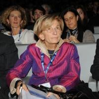 """Foto Nicoloro G. 19/11/2010 Milano, Seconda edizione della conferenza internazionale """" Science for Peace """" organizzata dalla """" Fondazione Veronesi """". In questa seconda giornata il tema e' """" Strategie e modelli per un processo di Pace """". nella foto Emma Bonino"""