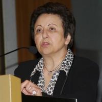 """Foto Nicoloro G. 18/11/2011 Milano Si svolge all' Universita' Bocconi la terza conferenza internazionale di """" Science for Peace """", due giorni di incontri e dibattiti per promuovere la diffusione di una cultura di pace e la progressiva riduzione degli ordigni nucleari e delle spese militari a favore di maggiori investimenti in ricerca e sviluppo. nella foto Shirin Ebadi"""