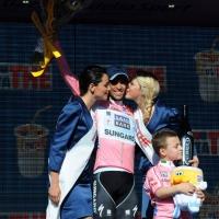 Foto Nicoloro G. 19/05/2011 Ravenna Dodicesima tappa del Giro d' Italia Castelfidardo-Ravenna di 184 Km. nella foto Alberto Contador maglia rosa dopo la tappa