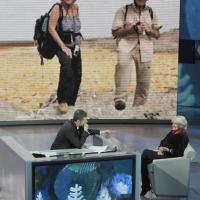 """Foto Nicoloro G. 01/01/2012 Milano Trasmissione televisiva su Rai3 """" Che tempo che fa """" condotta da Fabio Fazio e interamente dedicata al ricordo dello scalatore ed esploratore Walter Bonatti. nella foto Fabio Fazio – Rossana Podestà"""