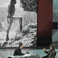 """Foto Nicoloro G. 01/01/2012 Milano Trasmissione televisiva su Rai3 """" Che tempo che fa """" condotta da Fabio Fazio e interamente dedicata al ricordo dello scalatore ed esploratore Walter Bonatti. nella foto Fabio Fazio – Reinhold Messner"""