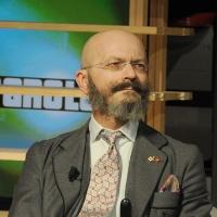 """Foto Nicoloro G. 28/01/2011 Milano Trasmissione televisiva di Rai2 """" L' ultima parola """" condotta da Gianluigi Paragone. nella foto Oscar Giannino"""