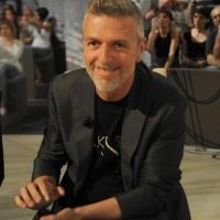 """Foto Nicoloro G. 08/04/2011 Milano Trasmissione televisiva su La7 """" Invasioni barbariche """" condotta da Daria Bignardi. nella foto Toni Thorimbert"""