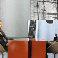 """Foto Nicoloro G. 10/12/2010 Milano, Puntata della trasmissione """" Invasioni barbariche """"  su La7 e condotta da Daria Bignardi. nella foto Cesare Cremonini – Daria Bignardi"""