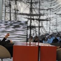 """Foto Nicoloro G. 11/02/2011 Milano Trasmissione televisiva su La7 """" Invasioni barbariche """" condotta da Daria Bignardi. nella foto Cristina Comencini – Daria Bignardi"""