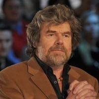 """Foto Nicoloro G. Milano 17/12/2010 Ultima puntata dell' edizione 2010 della trasmissione su La7 """" Invasioni barbariche """". nella foto Reinhold Messner"""