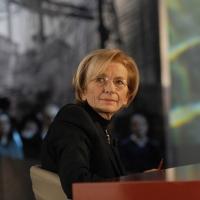 """Foto Nicoloro G. Milano 17/12/2010 Ultima puntata dell' edizione 2010 della trasmissione su La7 """" Invasioni barbariche """". nella foto Emma Bonino"""