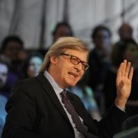 """Foto Nicoloro G. 18/03/2011 Milano Trasmissione televisiva su La7 """" Invasioni barbariche """" condotta da Daria Bignardi. nella foto Vittorio Sgarbi"""