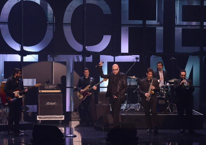 """Foto Nicoloro G. 09/03/2013 Milano Trasmissione televisiva su Rai3 """" Che tempo che fa"""" condotta da Fabio Fazio. nella foto Mario Biondi e la sua orchestra"""