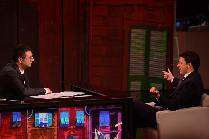 """Foto Nicoloro G. 09/03/2013 Milano Trasmissione televisiva su Rai3 """" Che tempo che fa"""" condotta da Fabio Fazio. nella foto Fabio Fazio – Matteo Renzi"""
