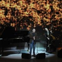 """Foto Nicoloro G. 10/04/2011 Milano Trasmissione televisiva su Rai3 """" Che tempo che fa """" condotta da Fabio Fazio. nella foto Gino Paoli e la sua band"""