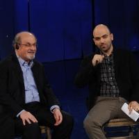 """Foto Nicoloro G. 19/11/2012 Milano Trasmissione televisiva su Rai3 """" Che tempo che fa """" condotta da Fabio Fazio. nella foto Salman Rushdie – Roberto Saviano"""