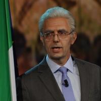 """Foto Nicoloro G. 19/11/2012 Milano Trasmissione televisiva su Rai3 """" Che tempo che fa """" condotta da Fabio Fazio. nella foto Neri Marcorè"""
