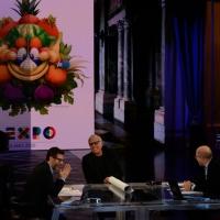 """Foto Nicoloro G.   21/02/2015   Milano    Trasmissione televisiva su Rai 3 """" Che fuori tempo che f a """". nella foto da sinistra Fabio Fazio, l' attore Teo Teocoli e il giornalista Massimo Gramellini."""