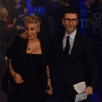 """Foto Nicoloro G.   22/02/2015   Milano   Trasmissione televisiva su Rai 3 """" Che tempo che fa"""". nella foto Fabio Fazio con la cantante Malika Ayane."""
