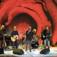 """Foto Nicoloro G. 24/12/2011 Milano Trasmissione televisiva su Rai3 """" Che tempo che fa """" condotta da Fabio Fazio. nella foto Antonello Venditti e la sua band"""