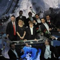 """Foto Nicoloro G. 24/12/2011 Milano Trasmissione televisiva su Rai3 """" Che tempo che fa """" condotta da Fabio Fazio. nella foto Fabio Fazio– Luciana Littizzetto – Franca Valeri"""